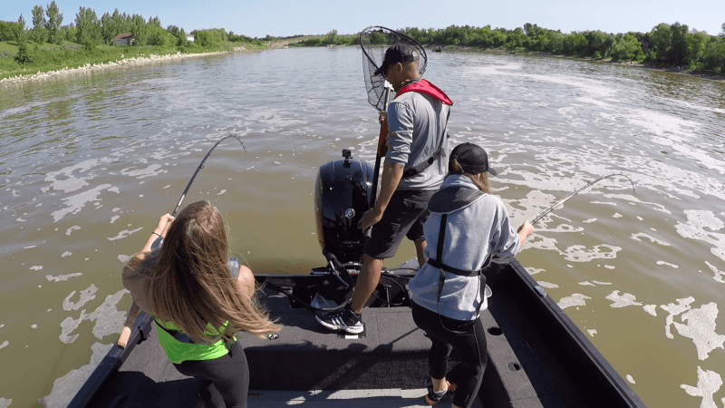 Manitoba Hot Bite - Arm-Breaking Catfish Action - Hunt Fish